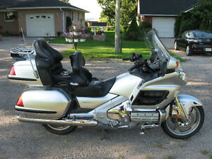 2005 GL1800a Gold Wing  - super sweet price!!! Kitchener / Waterloo Kitchener Area image 2