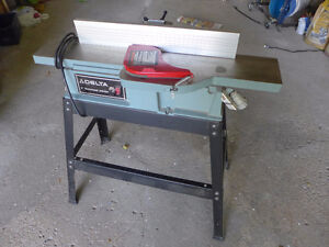 """Delta"" 6"" Motorized Jointer"