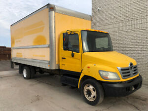 2007 Hino 185 with a 18ft Box & Tailgate