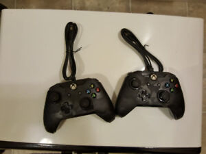 2 Xbox one Cord controllers