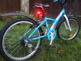 Rare Xmas themed Btwin 320 kids bike 6 to 8 years Ideal present