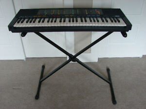 YAMAHA PROFESSIONAL KEYBOARD & STAND   - EXCELLENT CONDITION