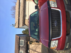 2003 Ford Expedition XLT Parts truck or $1000.00
