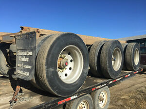 Hendrickson Triple-Axle Suspension WITH WHEELS AND TIRES