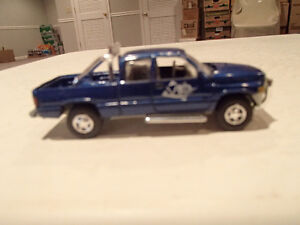 Loose Blue 1996  '96 DODGE RAM Extended Cab by JOHNNY LIGHTNING