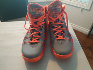 Nike Basketball Hyperdunks size 12