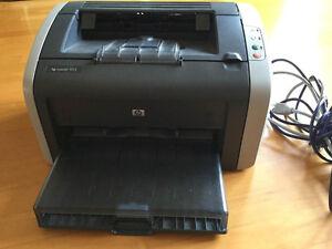 Imprimante Laserjet HP 1012 avec cartouche d'encre