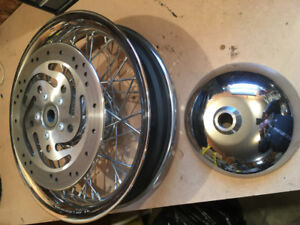 Rim and centrepiece for sale for a 2014 Harley  deluxe softail