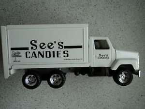 * VINTAGE SEE'S CANDY TRUCK MODEL* ERTL 1995 * pst 99