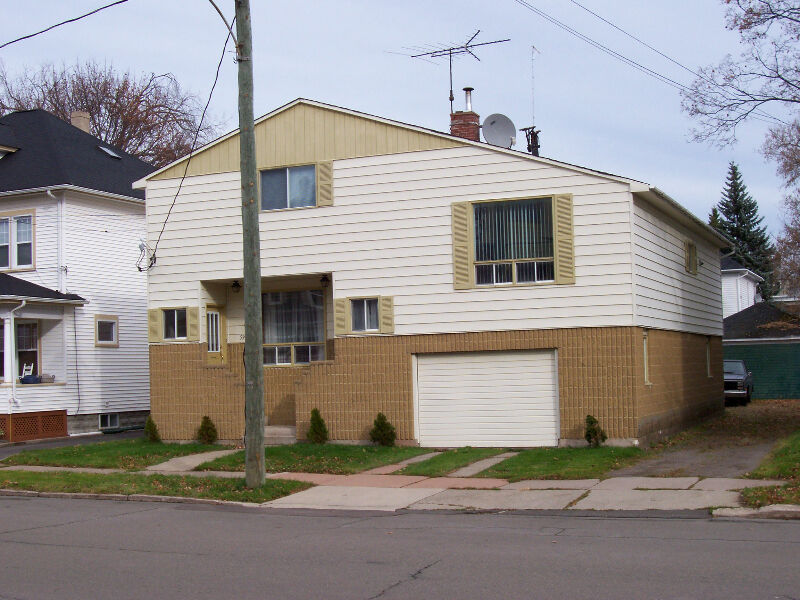 59 West St Moncton C W In Law Suite In Desirable Old