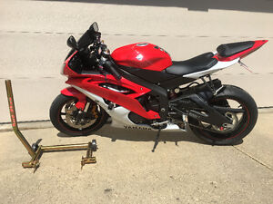 2013 Yamaha YZF-R6 for sale with Pit Bull rear stand