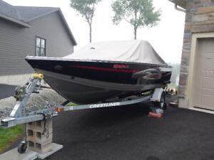 Crestliner Fishawk 1650 Deluxe Boat/Motor/Trailer Package