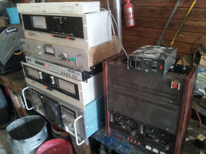 LOTS OF VINTAGE/ANTIQUE RADIOS/RADIO STATION/DJ EQUIP ETC Belleville Belleville Area image 6