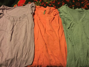 Maternity clothing lot size large - 44 items