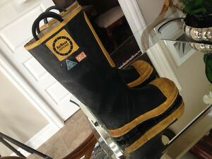 Air Boss Defense CSA Approved Fireman Rubber Boots size 6