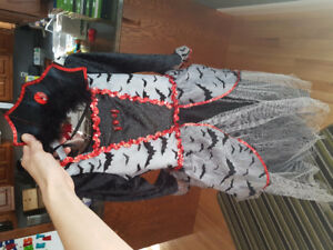 Princess vampire dress with crown