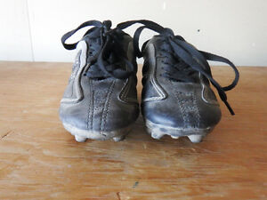 Athletic Works Soccer Shoes Children's size 10