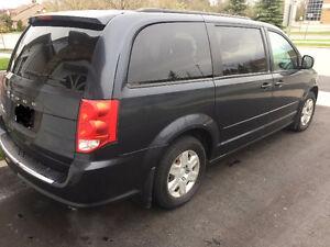 2013 Dodge Caravan Eco Fuel Minivan, Van low kms private sale!