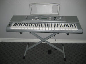 Keyboard buy or sell pianos keyboards in st catharines kijiji classifieds for Yamaha portable grand dgx 220 electronic keyboard