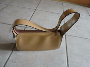 Le Chateau beige handbag purse Brand new with tags London Ontario image 1