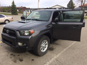 2012 Toyota 4Runner Trail Edition - Great Buy! RARE FIND.