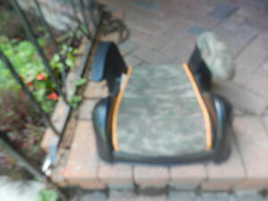 Booster Seats (3) West Island Greater Montréal image 1
