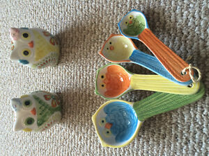 Owl salt and pepper shakers and measuring spoons - obo