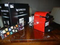 Machine Nespresso INISSIA Rouge – Neuve, n'a jamais servi