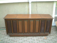 WORKING ADMIRAL STEREO CABINET WITH RADIO AND RECORD PLAYER