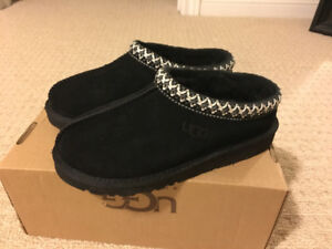 Uggs kids slippers brand new size 2