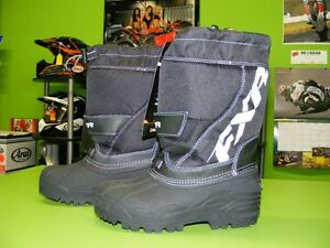 FXR - Kids Boots - Size 1 & Size 4 at RE-GEAR Kingston Kingston Area image 3