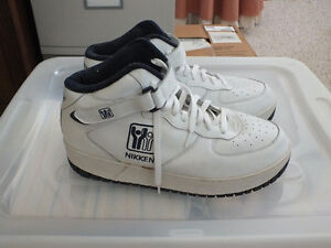 NIKKEN WEIGHTED WORKOUT SHOES SIZE 13. Kitchener / Waterloo Kitchener Area image 2