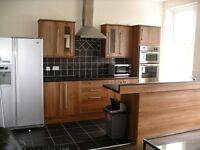 4 bedroom flat in Salters Road, Gosforth, Newcastle Upon Tyne, NE3
