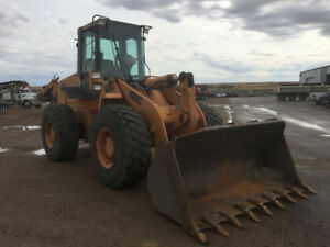 2000 Case 621C Wheel Loader w/ 2.5 yard bucket