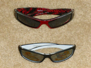 ✪ BOYS SIZE YOUTH - Mattel Hot Wheels  2 Pairs of Sunglasses