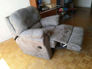 Reclining chair, good condition - $100