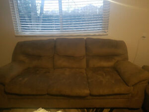 BET OFFER FOR COUCHES!!! Windsor Region Ontario image 1