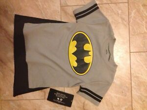 NWT Batman T Shirt Size 2T. Removable Cape. Kitchener / Waterloo Kitchener Area image 1