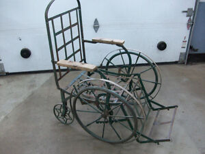 chaise roulante antique début 1900 trais rare