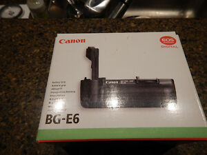 New never used Canon BG-E6 Battery grip