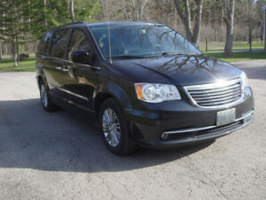 2016 Fully loaded Chrysler Town and Country Mini van