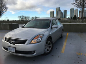 Fully Loaded 2009 Nissan Altima, Great Condition