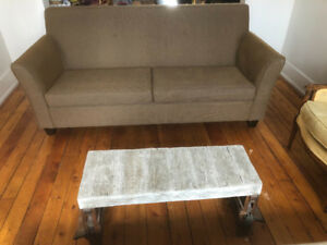 Modern couch / sofa in good condition