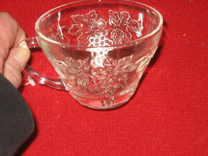 27 grape glass punch bowl glasses. In excellent condition.