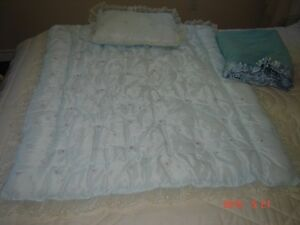 It is a BOY !!!!!!!!!- ONE of A KIND COMFORTER  - London Ontario image 1