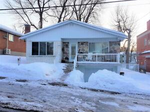 Bungalow parfait pour votre famille à R-D-P Montréal 329 000$