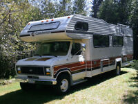27 foot Coachmen Ford Motorhome