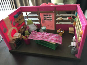 Two L'il Woodzeez Complete Playsets and Figurines