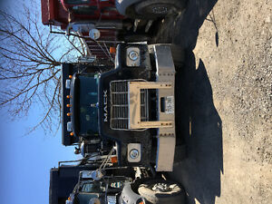 2002 Mack RB Dump Truck For Sale (Tri-Axle)