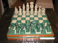 Jeu d'échecs artisanal fabriqué au Mexique fait de pierre & bois